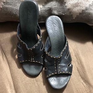 Clark's leather sandals heels Size 8